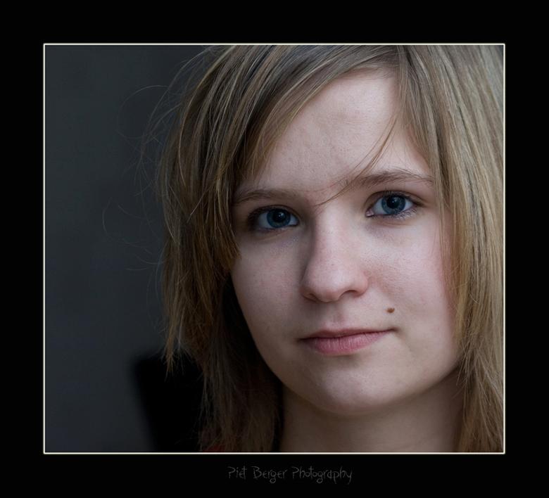 Dat was wild. - Een eerst portret foto.<br /> Deze foto scoot ik naa een potje rollenbollen met mn vriendin.<br /> Ik heb sinds gisteren mn nieuwe f