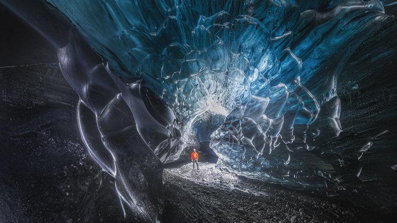 Caveman - IJsgrot onder Vatnajokull 2018