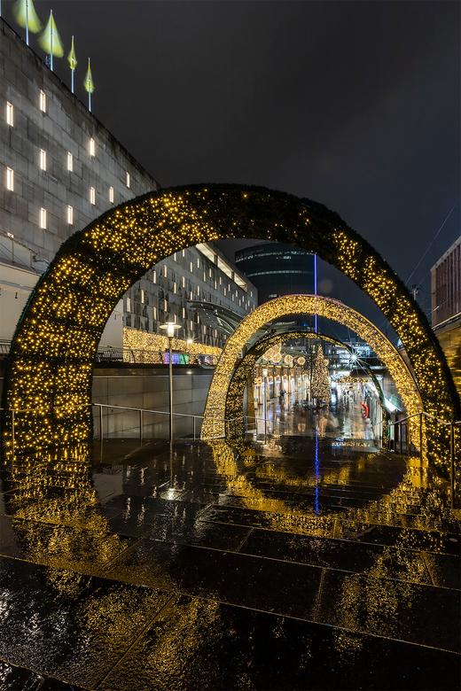 Rotterdam Koopgoot - Gisteravond tussen de buien door, natte straten zijn toch extra leuk voor nachtfotografie... <br /> Ze zijn er vroeg bij in Rott