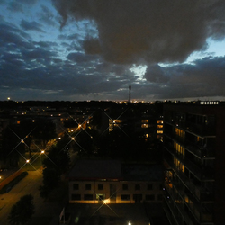 Avond  richting Botlek van af 10e verdiepingZuiderkroonflat Rotterdam Pendrecht