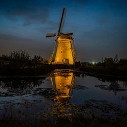 moulin blue