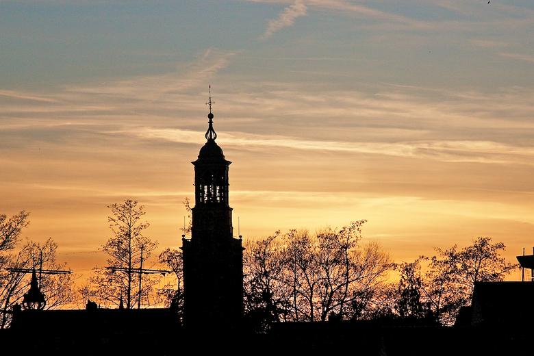 Nieuwe Toren Kampen - Hier dan maar eens een foto van de nieuwe toren in Kampen. Mooie zonsondergang met tegenlicht.
