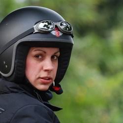 Dorthy met haar helm op
