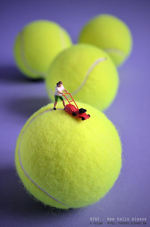 MINI - New balls please - Het nieuwe tennisseizoen werd zorgvuldig voorbereid...