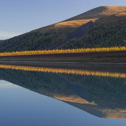 Ak-Kem lake spiegelt als geen ander