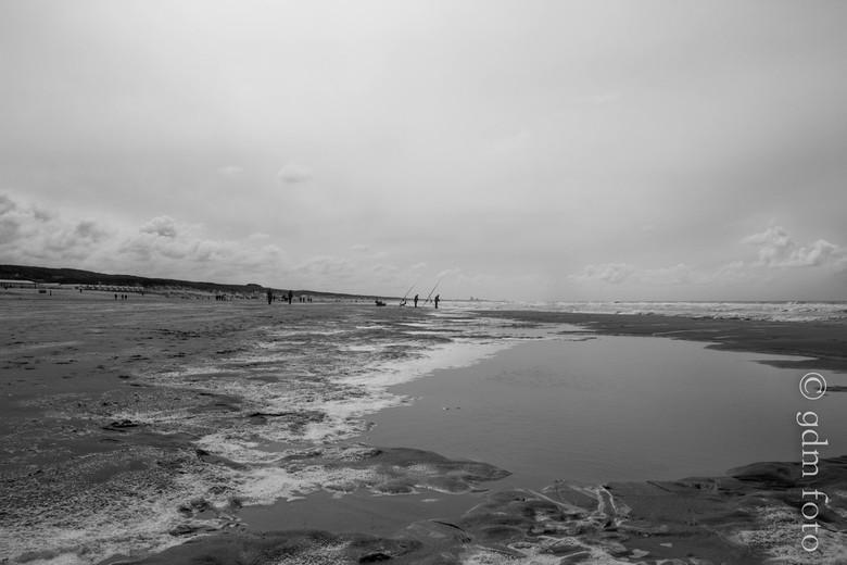 strand wandeling katwijk - even een frisse neus halen op het strand van katwijk.<br /> er was weer veel moois te zien .