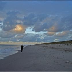 Shoreline jogger