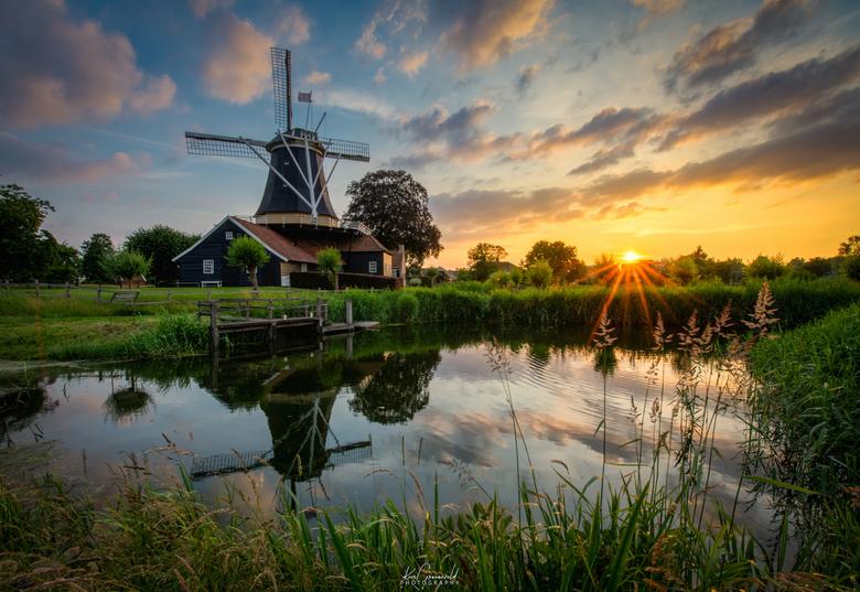 Mooi Nederland - Door de Corona-periode waarbij het reizen beperkt blijft, ga je meer genieten van je eigen omgeving. Deze foto genomen 13 km van mijn