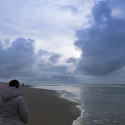02850 stormy girl