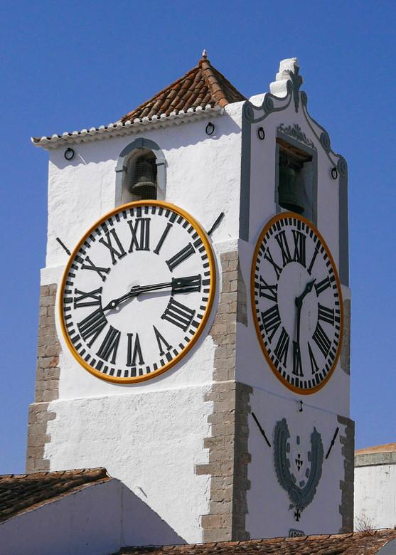 Hoe laat is het nu eigenlijk? - Niet elke klok heeft het bij het rechte eind.<br /> <br /> Bedankt voor alle leuke reacties bij de foto&#039;s van d