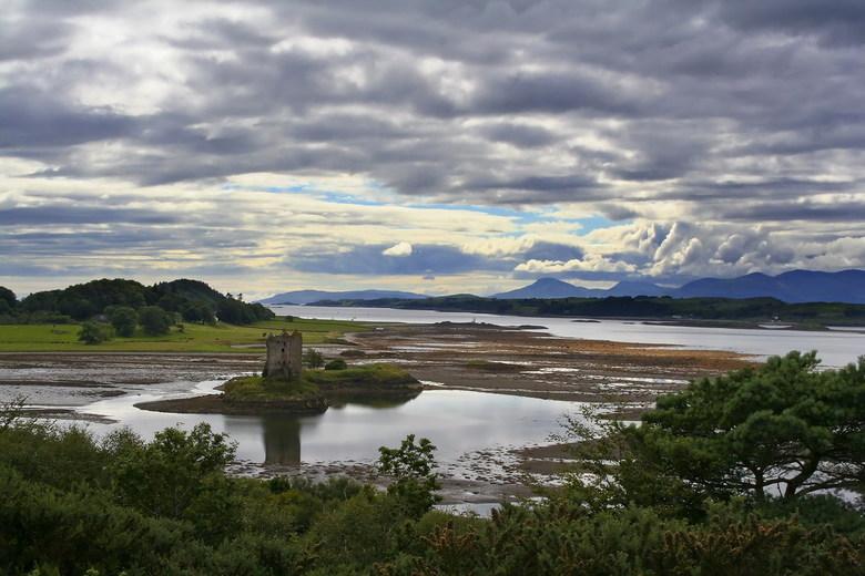 Castle Stalker - Het tweede kasteel: Castle Stalker in Schotland. Het figureert in vele films, waarvan Mony Pythons The Holy Grail niet de minste is.