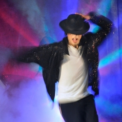 Michael Jackson is back!