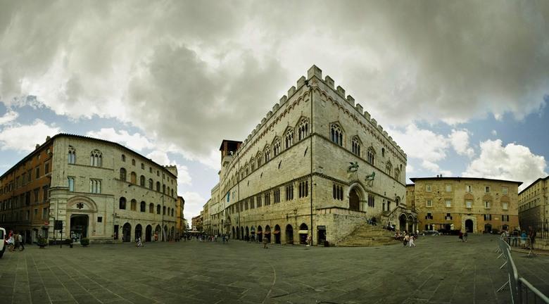 """Corso Vannucci Perugia - Genoemd naar de grote schilder <a href=""""http://nl.wikipedia.org/wiki/Pietro_Perugino""""> Pietro Vannucci </a>, beter gekend als"""