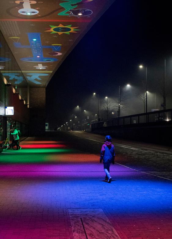 Kleuren bij nacht - s'Nachts bij het station in Breda. Hoe verschillend belichtingen kunnen zijn...