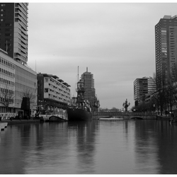 Een grauwe winterdag in Rotterdam