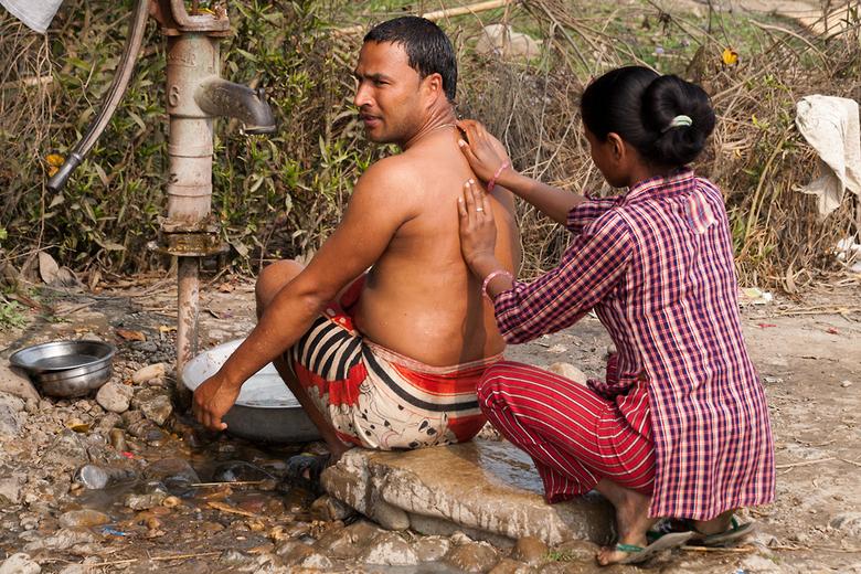 populair massage ruk af