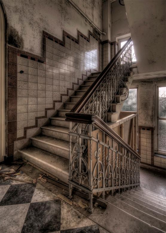 stairway to ... ? - trap, internaat Limburg, 03