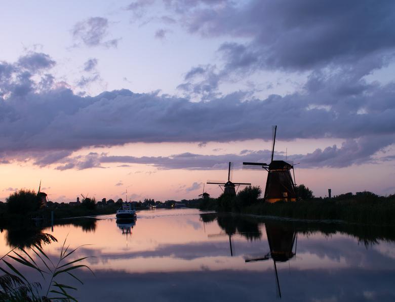 Puur Hollands - Dit was tijdens de verlichtingsweek van Kinderdijk iets vroeger op de avond!