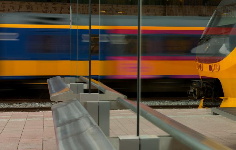 Terug naar Rotterdam - <br /> &#039;n paar foto&#039;s van Breda geplaatst...maar had er nog van Rotterdam staan..Die nu eerst maar met een sneltrein