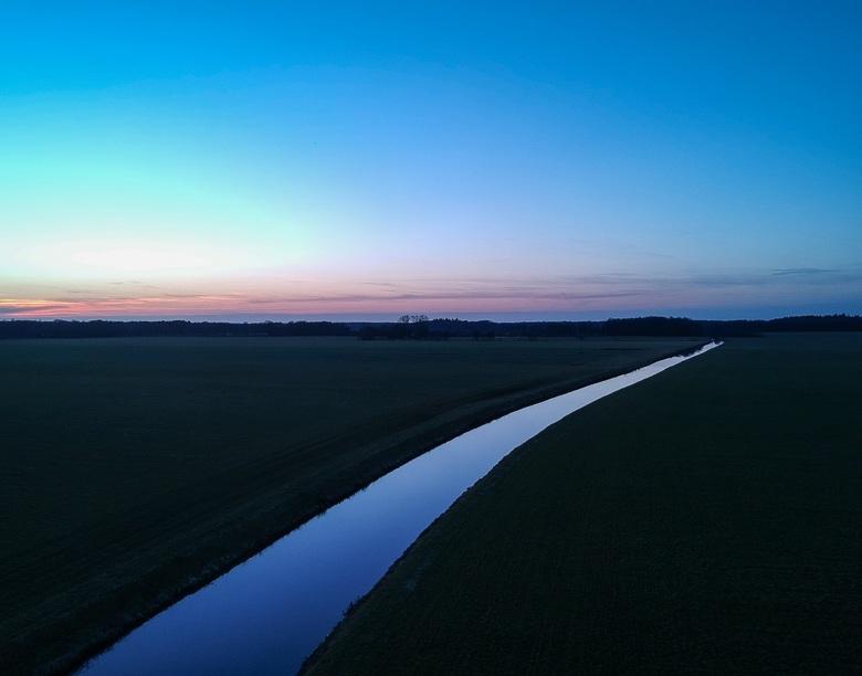 Blauwe uurtje - Fort - Deze foto nam ik afgelopen zondag tijdens het blauwe uurtje met mijn drone