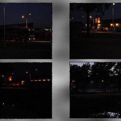 Industrieterrein bij avond.