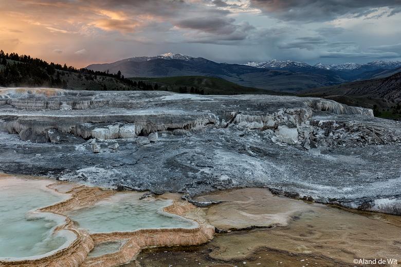 Minerva Terrace - Sunset @ Minerva Terrace, Mammoth Hot Springs, Yellowstone np, USA.<br /> <br /> ISO 100<br /> F11 <br /> 0,5 seconde<br /> 35