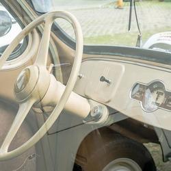Renault 4 cv-4