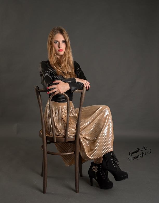"""Staring - Uit een shoot met model Jaimy<br /> <br /> <a href=""""http://www.goodluck-fotografie.nl/"""">goodluck-fotografie.nl</a>"""