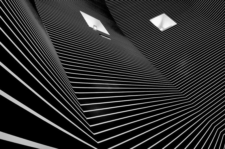 de koepel - Bezoekje aan het Bonnefanten museum,hier de koepel ruimte.<br /> Zal mijn best doen ook van jullie foto&#039;s weer te genieten.