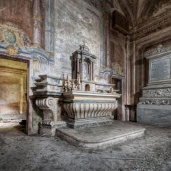 Palazzo de L. dei Conti M. e Chiesetta di S.A. 2