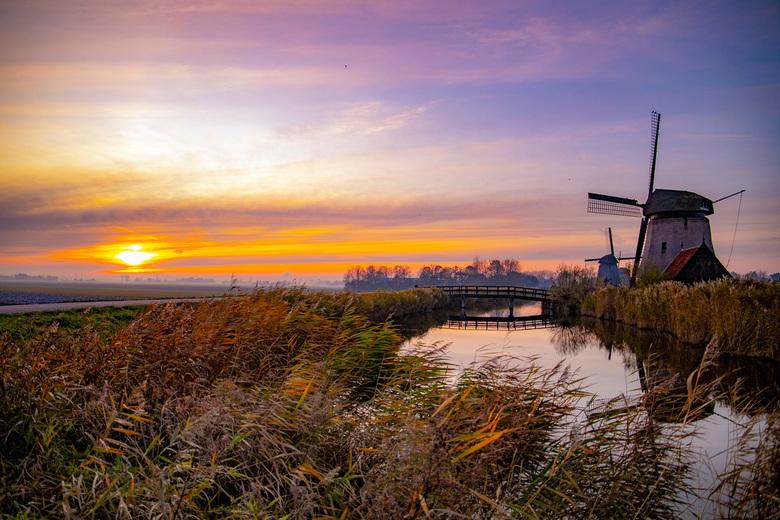 Zonsondergang in het noordhollands polderlandschap -