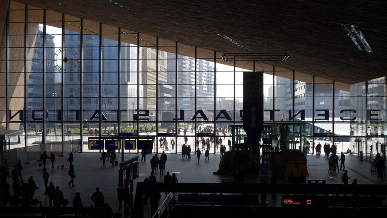 5 kapsalon - centraal station Rotterdam