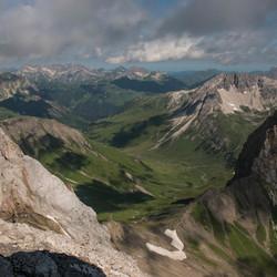 Waar de bergtoppen de wolken raken