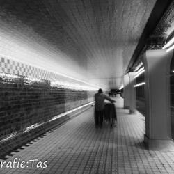 Door de tunnel....