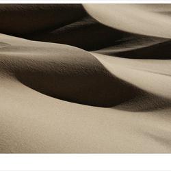 de wind speelt met zand 12