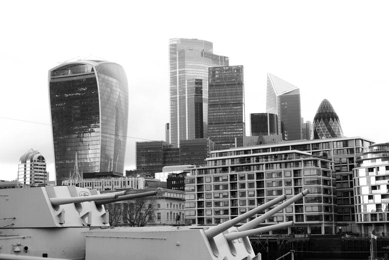 Londen - Skyline - Zicht op de skyline van Londen, genomen vanaf de HMS Belfast (welk absoluut het bezoeken waard is!).