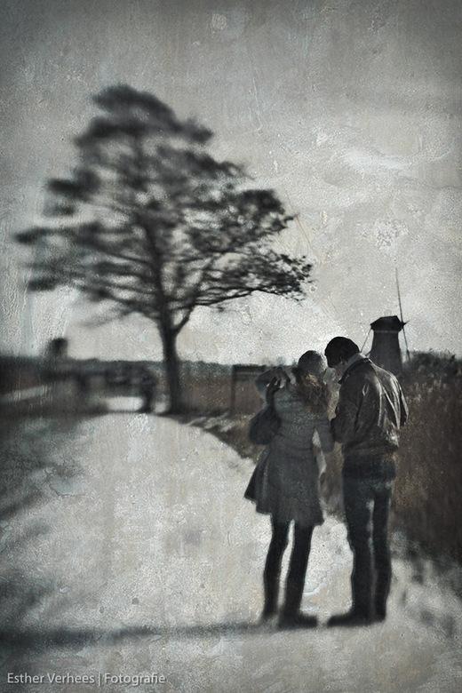 Where do we go? - Deze foto is gemaakt in Kinderdijk en een van mijn experimenten met de lensbaby die ik onlangs heb aangeschaft.