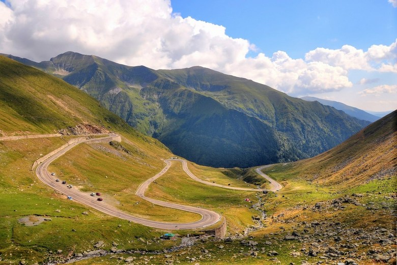 Transfagarasan - De beroemde en beruchte Transfagarasan-bergpas in Roemenië<br /> <br /> De Top Gear mannen hebben erover heen geraced met Jaguars,P