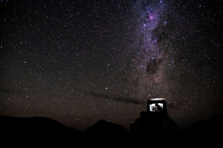 Een heldere nacht in de bergen! - Een koude nacht in de Namibische woestijn. We wilden al een hele tijd op reis proberen een sterren foto te maken, ma