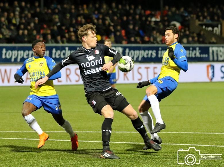 Sc Cambuur Fc Emmen 1 1 7 Sport Foto Van Edjestheater Zoom Nl