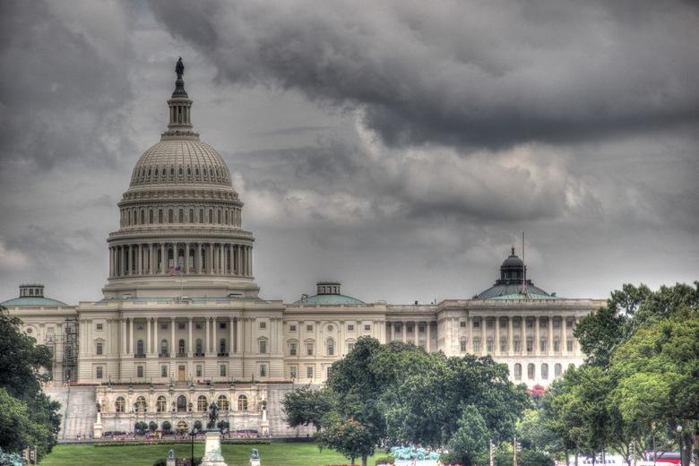 Dark clouds over the US - Dark clouds over the US