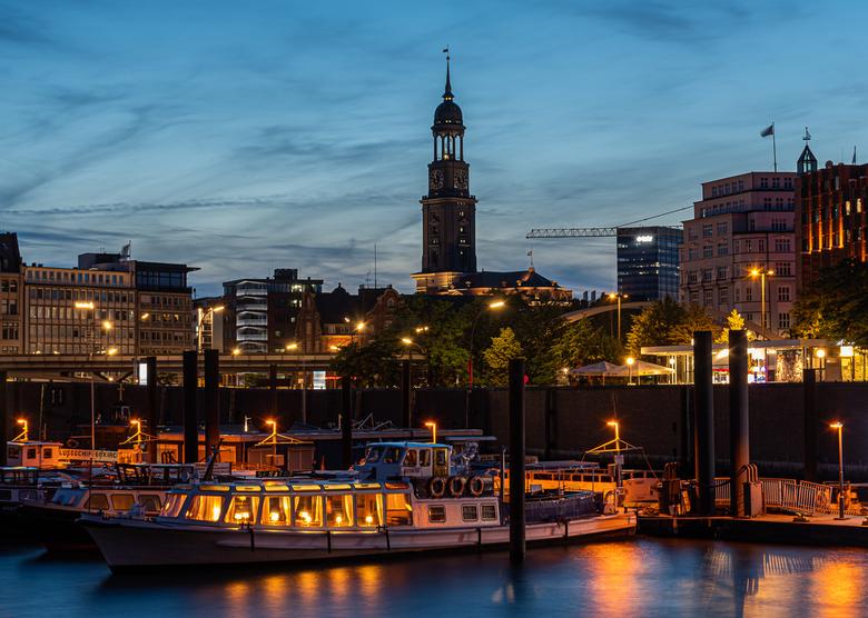 Kathleen_Ooms_FL-1-2 - An evening in Hamburg