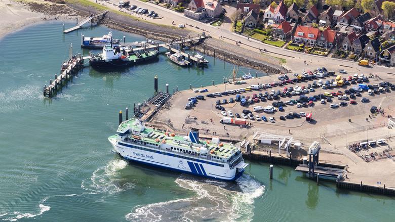 Veerboot Terschelling - Aankomst op het Waddeneiland Terschelling van de veerboot MS Friesland,