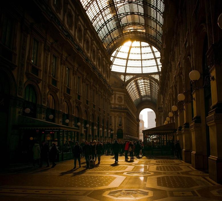 Milaan - Vitoria Emanuelle II - Een citytrip naar Milaan is niet compleet als je niet door het winkelcentrum van Vittorio Emanuelle II bent gelopen.