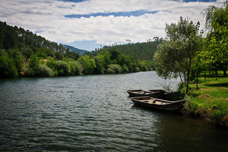 Rustgevend Portugal - Een van de vele rivieren in centraal Portugal