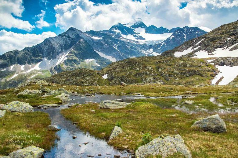 Sustenpas Zwitserland - Berglandschap ten hoogte van de Sustenpas in Zwitserland op ca. 2200m hoogte.
