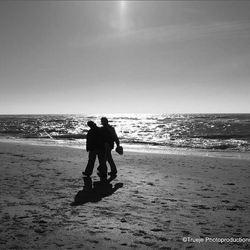 zw-w strand,zee,mensen.jpg   ----20100503_96-3