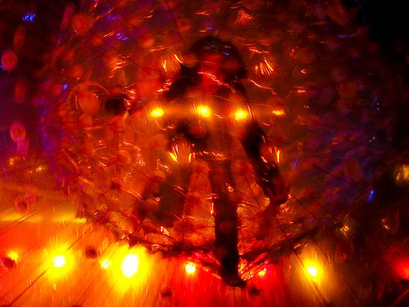 Glow2 - Ieder jaar vindt in Eindhoven het lichtevenement Glow plaats. In de stad vind je dan op diverse plaatsen schitterende lichtopjecten, ontworpen