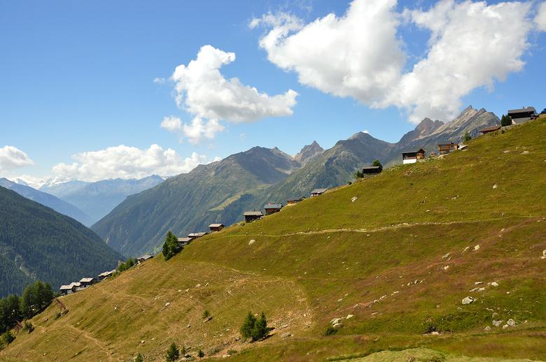 Lötschental Zwitserland - De höhenweg van Faldumalp naar Fafleralp in het Lötschental is een wandeling die je als bergliefhebber een keer gelopen moet