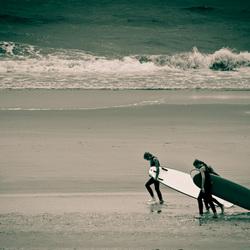 Surfers komen wel gewoon naar het strand